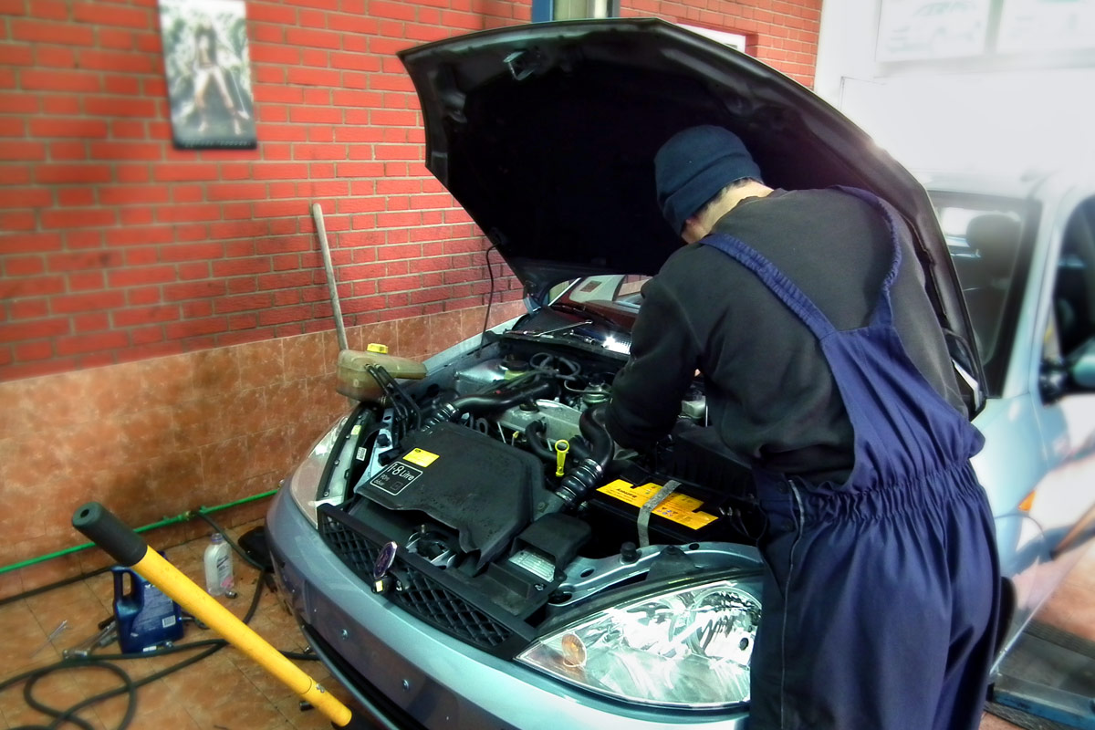 Auto servis Stepic Sabac za opel i Ford automobile
